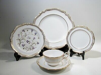 Luxe SPODE Bone China SHEFFIELD 5 Piece Place Setting R568