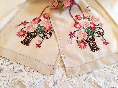Beautiful Table Runner/Cloth Hand Embroidered Flower Baskets ~*Vintage Linens*~