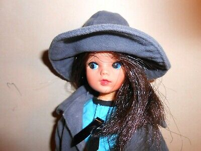 Vintage Pedigree Sindy Wearing Turquoise Dress And Blue Coat With Matching Hat