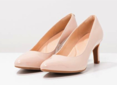 20132711543a7 BNIB Clarks Calla Rose - Nude Patent Leather Cushion Classic Heels Shoes UK  6