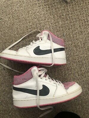 Ladies/Girls Nike High Top Trainers Size 5.5 Good Condition