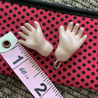 One Pair Of New Paper Mache Hands Suitable For21cm Doll bleuette