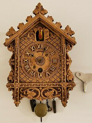 Antique 1930's LUX Brown Animated Bobbing Bird Lacy Edge Cuckoo Pendulette Clock