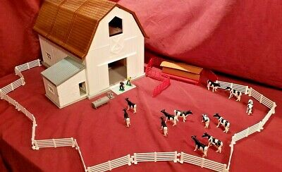 1//64 ERTL FARM COUNTRY TOY QTY OF 6 RED PIG FENCE PANELS HOG SOW DISPLAY