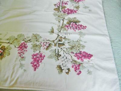 VINTAGE COTTON TABLECLOTH 52 3/4x 63  WHITE WITH GRAPE VINES AND GRAPES