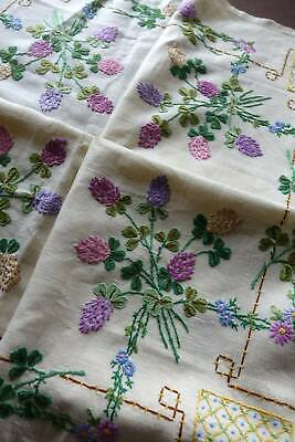 """Vintage Irish linen hand embroidered tablecloth  - Lucky Clover. 42""""sq"""