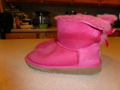3271827881f NEW UGG UGGS Classic Kids Girls Toddler PINK Bailey Bow Splash Youth ...