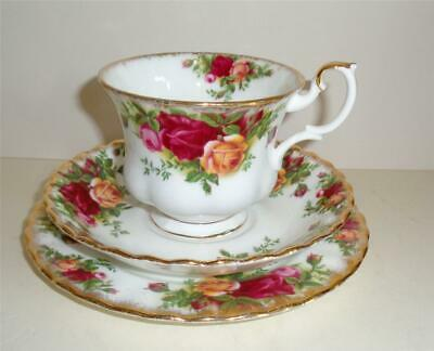ROYAL ALBERT OLD COUNTRY ROSES TRIO TEA CUP SAUCER & TEA PLATE 1st QUALITY