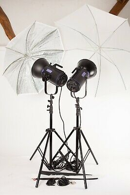 Courtenay Solapro 600. A Powerful 2 Head Studio Flash Kit + Stands and Brollies.