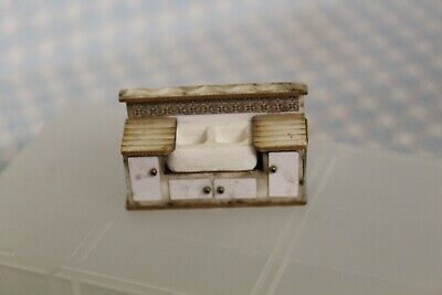 DOLLS HOUSE    ( Small Scale = Double  Belfast  Sink Unit