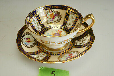 #5 Paragon Fine China Tea Cup & Saucer H.M. Queen Mary 1913 Repro 8902 - Crazing