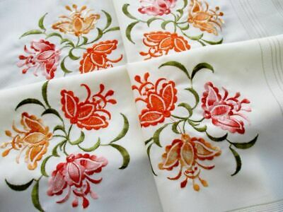 Pretty Tablecloth With Embroidery Decoration