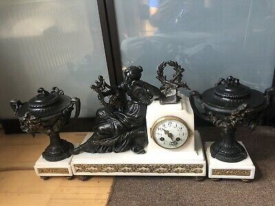 A Beautiful 19th Century White Marble  And Spleter Clock Garniture Urns