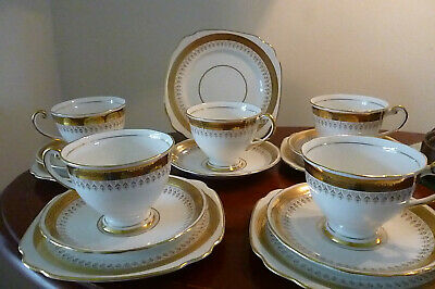 Lovely white/gold Vintage Windsor Bone China Tea Set consisting of 5 trios
