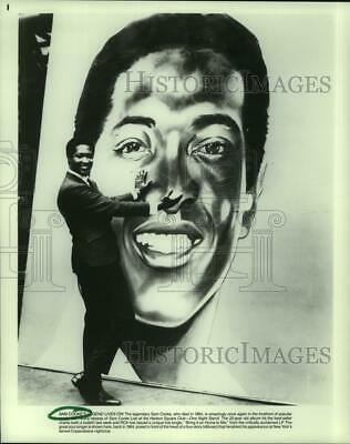 1964 Press Photo Sam Cooke in front of his billboard for Copacabana appearance