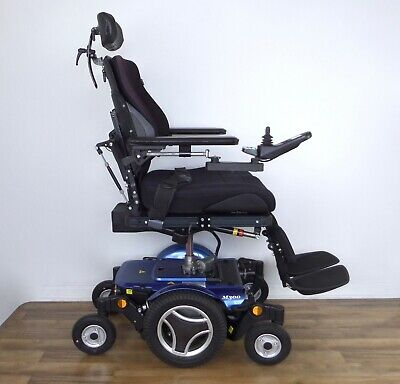 Permobil M300 wheelchair - LOADED, driven only 4 miles, Power seat lift, F3-F5