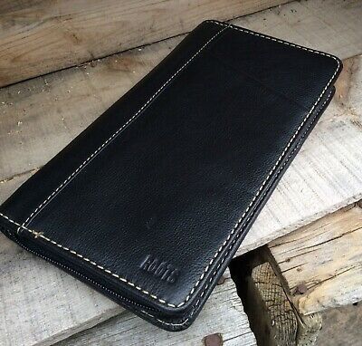 ROOTS CANADA BLACK LEATHER - Zip Around ID Credit Card Wallet UNISEX MENS