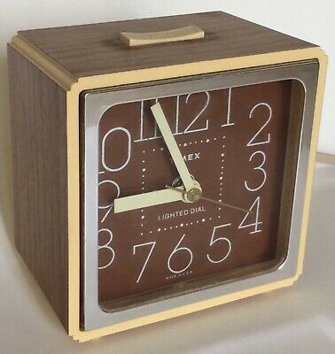 Vintage TIMEX Electric Plastic Alarm Clock ~ Lighted Dial ~ USA
