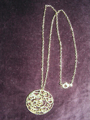 """Golden circular pendant Scrollwork Tracery on 18"""" trace chain gold plated NEW"""