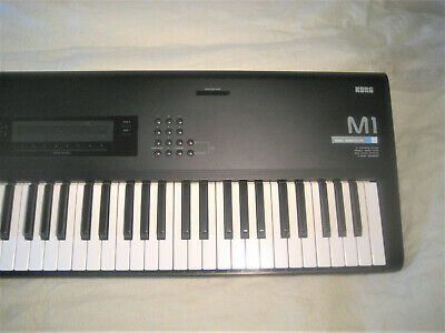 KORG M1 KEYBOARD with manual and cards