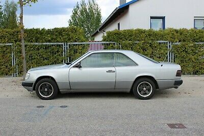 Mercedes Benz W124 CE 230 Coupe Oldtimer