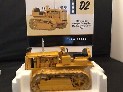 CATERPILLAR CAT D2 with Traxcavator by SpecCast 1:16 Scale