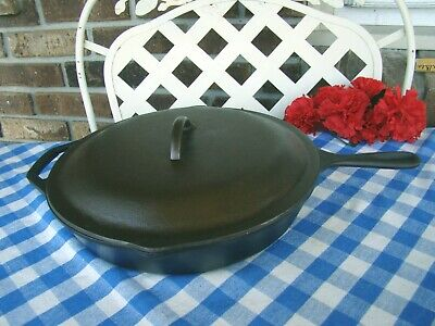 Lodge Cast Iron #10 Skillet and Matching Lid – Near Mint - Cleaned and Seasoned