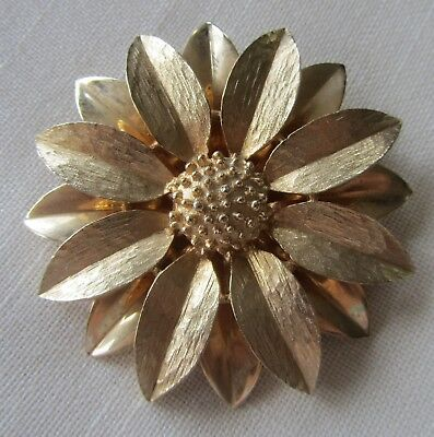 Vintage gold tone Sarah Coventry flower brooch