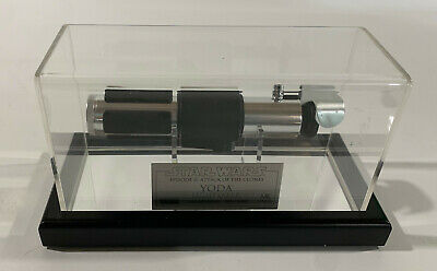 Master Replicas MR Yoda Lightsaber Attack of the Cloneswith display case & boxes