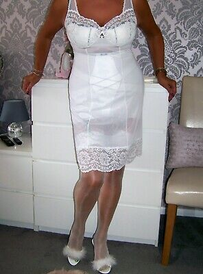 Stunning Vintage Incredibly Sheer White Suisse Nylon Lacy Full Slip. 40