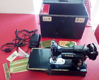 Vintage Singer 222K Featherweight Free Arm Sewing Machine with Case/Attachments