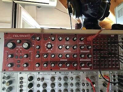 Behringer Neutron - Analoger Synthesizer