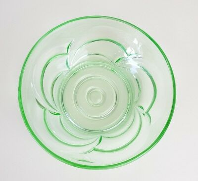 Vintage Retro Green Art Glass Fruit / Salad / Trifle Bowl Tableware
