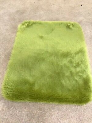Bright green super soft faux fur rug cat dog pet matt brand new 90x75cm