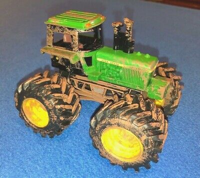 Ertle John Deere Tractor with Rubber Tires Imitation Mud G0214Q01 Monster Truck