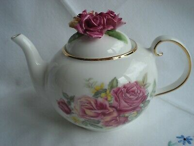 ROYALE STRATFORD COUNTRY Cottage Teapot Collection Woodland