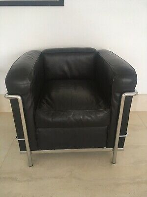 CASSINA LE CORBUSIER LC2 BLACK LEATHER CHAIR CUSHION SET Atelier International