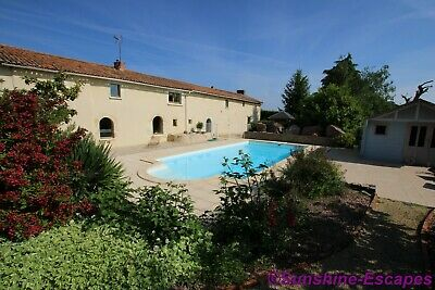 France:stunning Charentaise Stone Longère, Gite + Swimming Pool- £255000