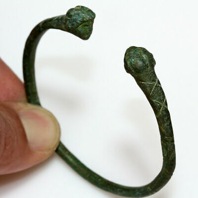Very Rare Roman Bronze Bracelet With Human Male Heads Circa 200-300Ad - Intact