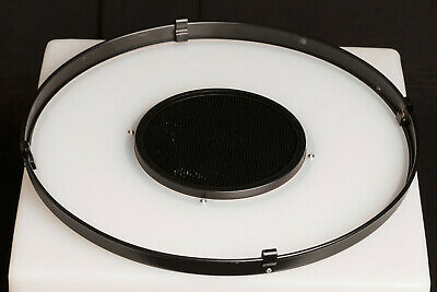 Bowens BW-1866 Grid Diffuser & Honeycomb for Softlite Reflector 16.5""