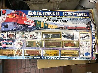 LIFE-LIKE RAILROAD EMPIRE 01537 38x38 Hand Painted Electric