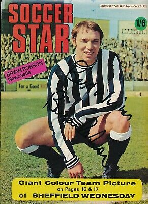 SOCCER STAR Magazine 12th September 1969 BRYAN ROBSON AUTOGRAPH on the cover