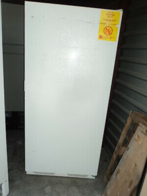 Labline Thermo Scientific 3552 Explosion Proof Figid-Cab 20.6 Cu-Ft Freezer 120V