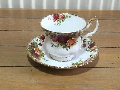 """Royal Albert """"Old Country Roses"""" cup and saucer, England"""