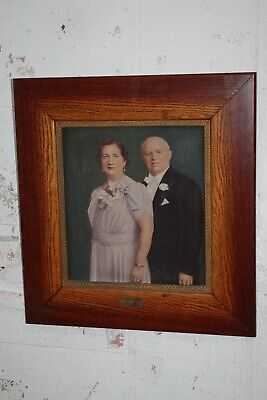 Antique 1941 Grained Wood Photo Portrait Picture Frame Ornate Brass