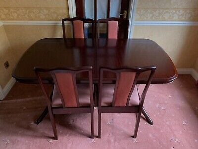 Stag Expandable Dining Table With 6 Chairs