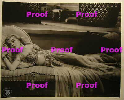 VINTAGE Hollywood Starlet SHOW GIRL BELLY Dancer Photo Photograph REPRINT 30