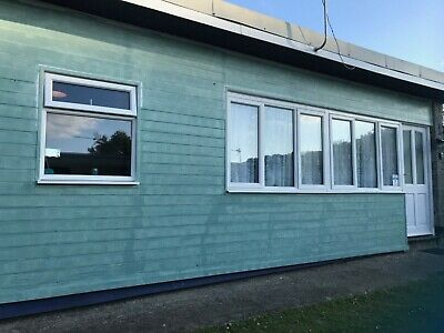 Cosy 2 Bedroomed Chalet/Holiday Home For Sale in North Devon. Park Open All Year