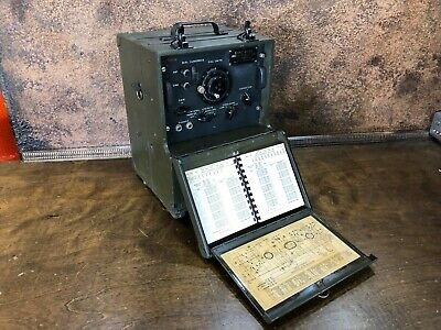 Vintage WWII US Arm SIGNAL CORPS Field Radio  Frequency Meter ~ WW2 / Ham