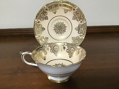 VINTAGE PARAGON Tea Cup & Saucer Peach with Gold Double Warrants Made in England